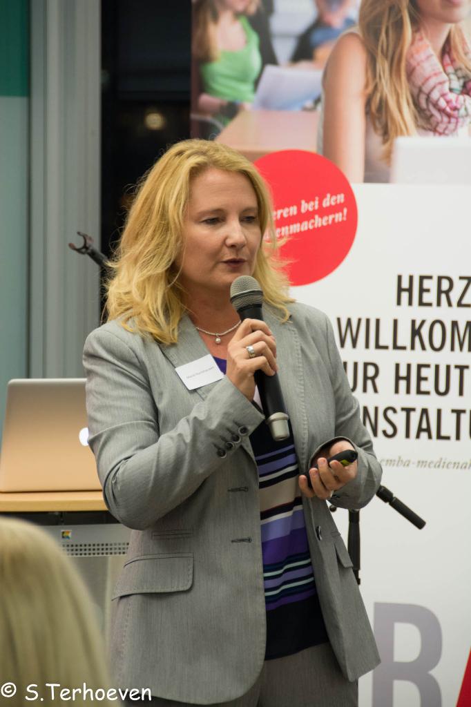 Marie Huchthausen auf der 1. Social Media Night Bildung 2.0