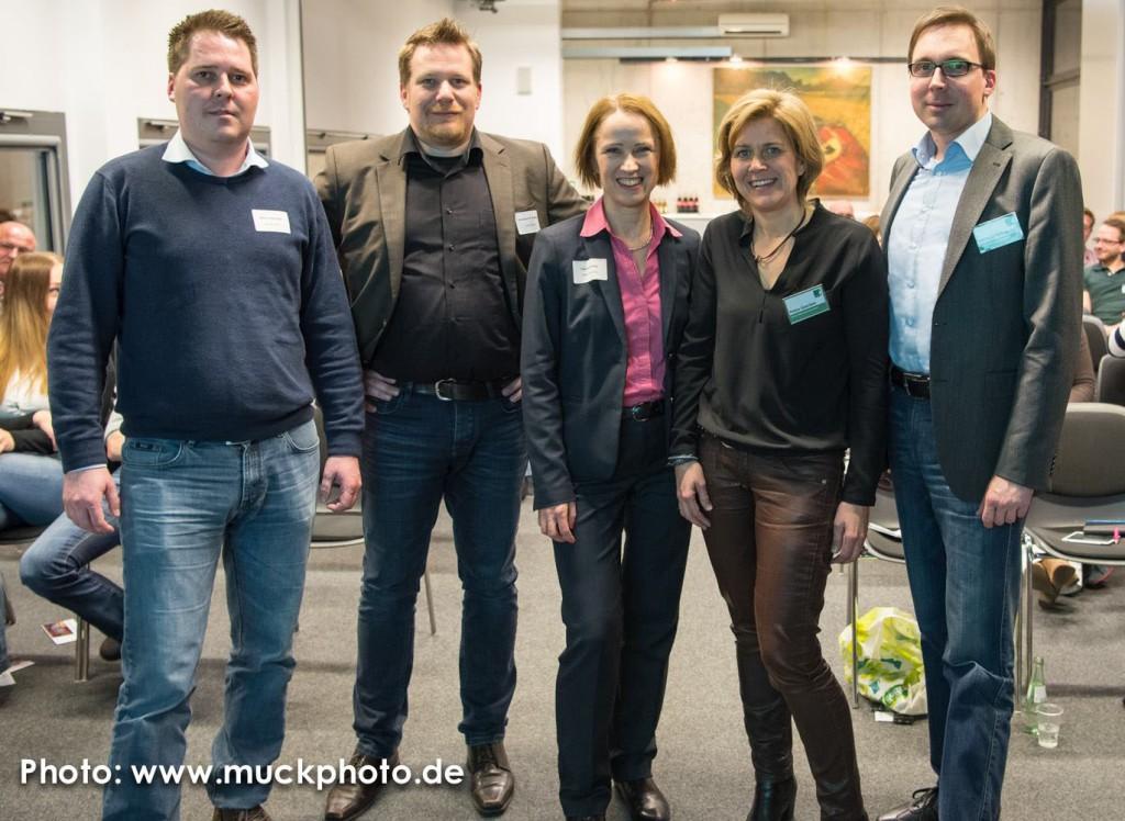 Abschlussbild (v.l.): Simon Spinczyk und Christoph Weidner von argutus mit den SMCDUS-Managern Dr. Claudia Hilker (Hilker Consulting), Petra Geerken (Petra Geerken Marketing) und Michael Milewski (FH Dortmund)